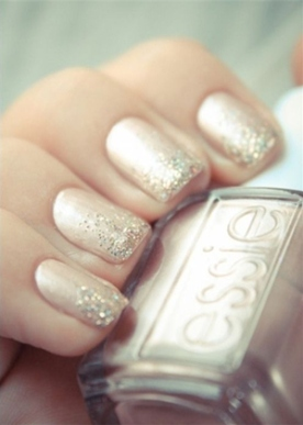 french-manicure-glittering-gold-wedding-nail-ideas
